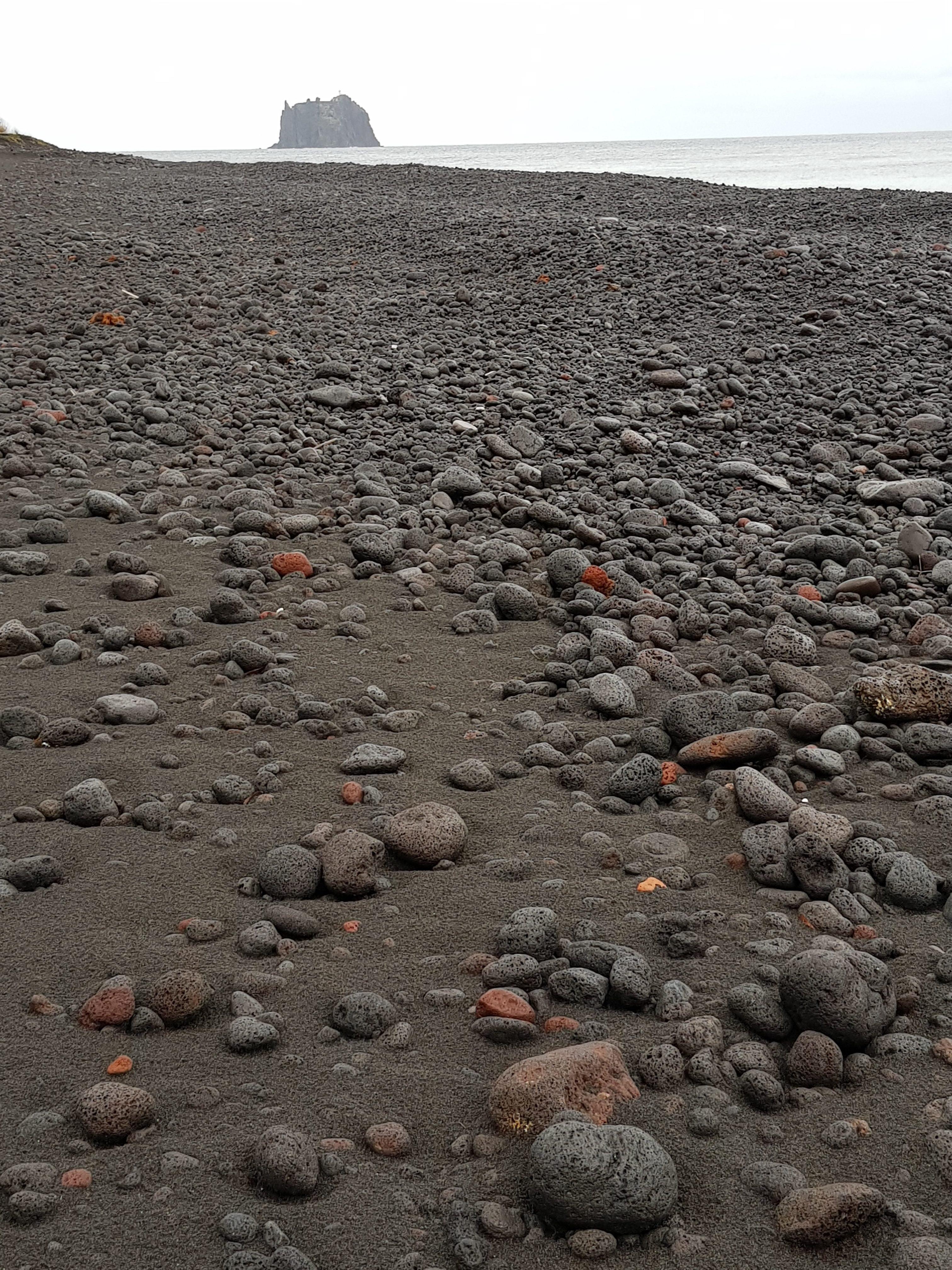האדמה הוולקנית של האיים הגעשיים של סיציליה